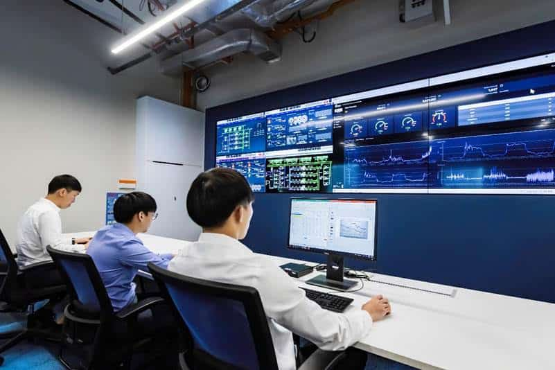 Real time remote monitoring of customer's equipment at BBP's Singapore office.